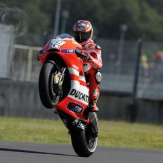 Nicky gives the Mugello fans something to cheer for. - Photo: Milagro/Ducati